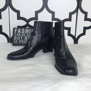 Salvatore Ferragamo Black Leather Heeled Booties